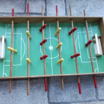 KICKER de table (baby foot)